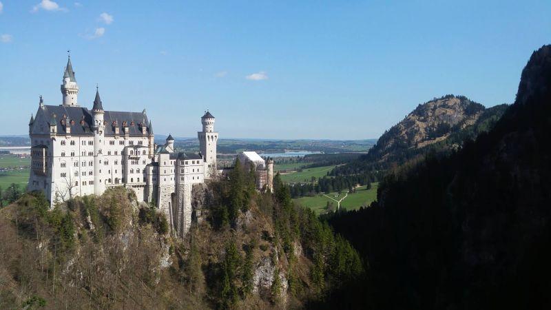 za zámkem je krásný výhled na celé Bavorsko
