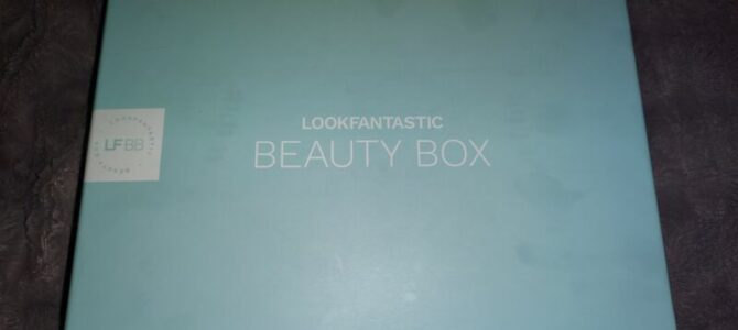 Lookfantastic box: květen 2021