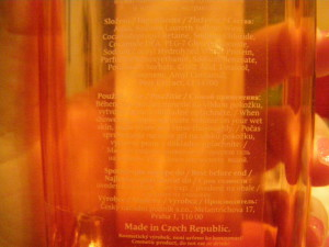 zadní část lahvičky
