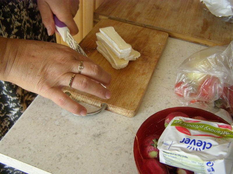 pokud chcete vyzkoušet i jiný sýr, doporučuji nivu (ale u mě vede hermelín)