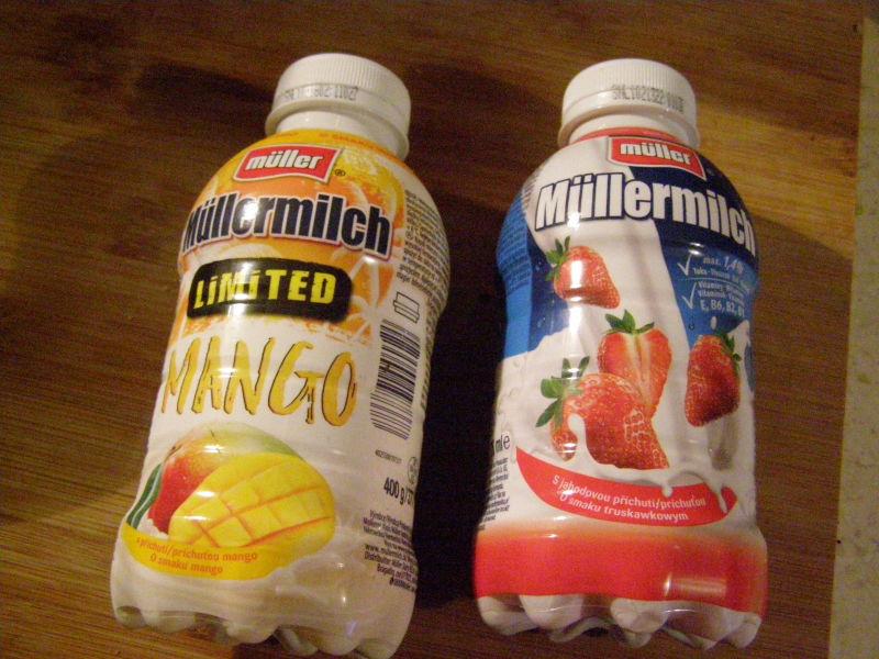 ochucená mléka - mám je moc ráda. Mango je nějaká nová limitka a nebylo to špatné.